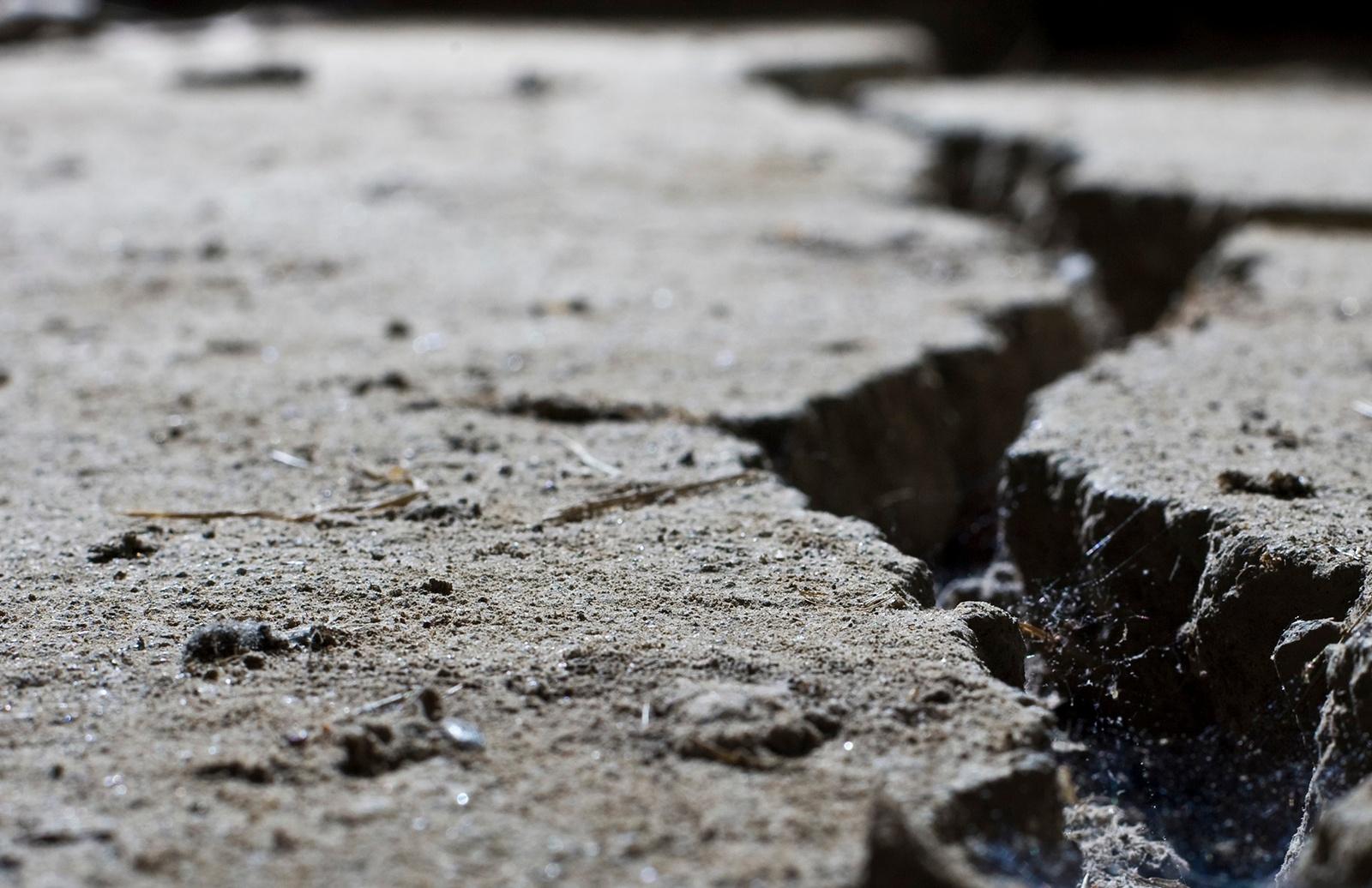 Benefits-of-Asphalt-Crack-Repair-1