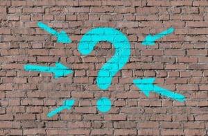 muro con punto di domanda