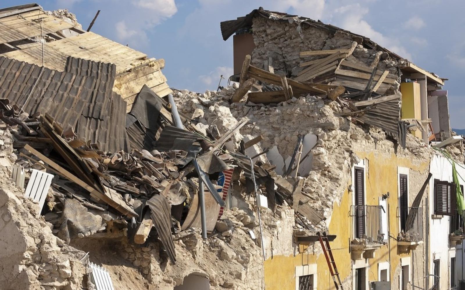 5-cose-da-non-fare-durante-un-terremoto